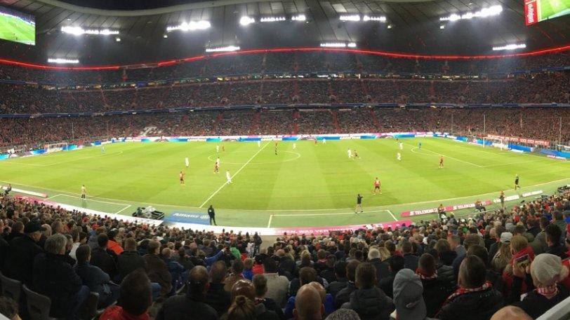 «Βουβάθηκαν» για 20 λεπτά τα γήπεδα της Bundesliga
