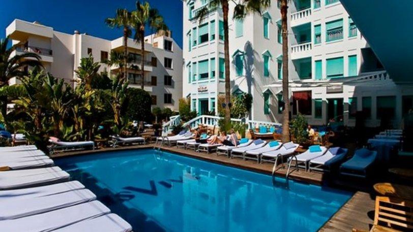 Τετραήμερο πάρτι μόνο για γυναίκες σε ξενοδοχείο ιδιοκτησίας του Μέσι στην Ίμπιζα! (pics)