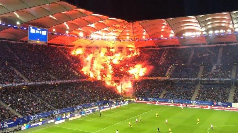 Τρέλα από 8.000 οπαδούς της Ντινάμο Δρέσδης στο Αμβούργο (vid)