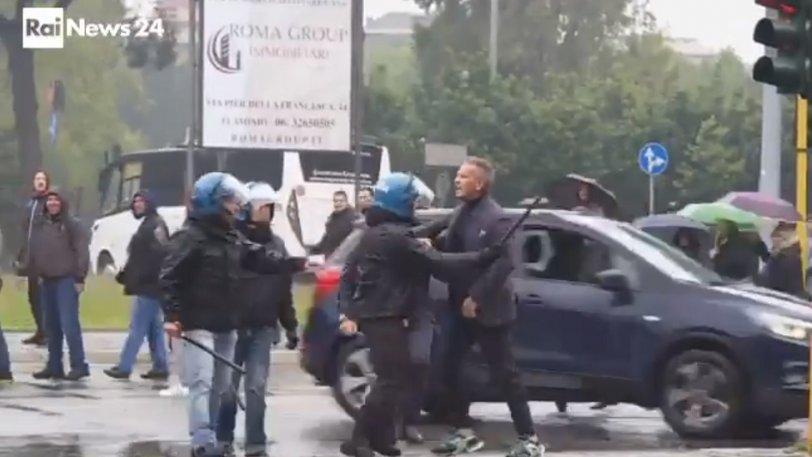 Η Αστυνομία κρατούσε τον Μιχαΐλοβιτς προτού τα βάλει με οπαδό! (vid)
