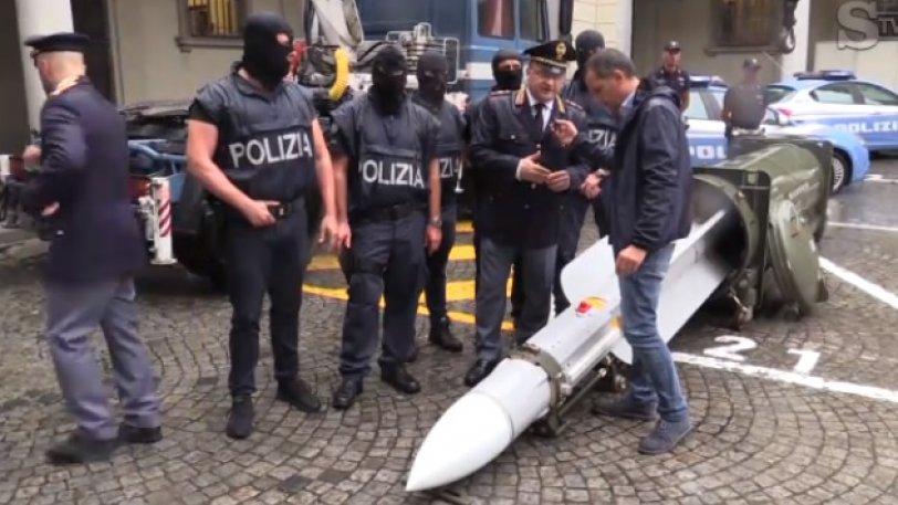 Ναζιστικά σύμβολα και... εκτοξευτής πυραύλου εντοπίστηκαν σε λέσχες οπαδών της Γιουβέντους! (pic)