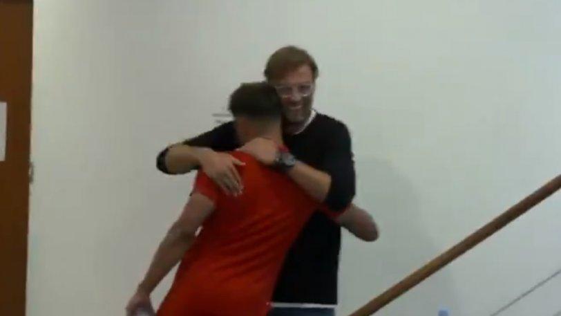 Ο Κλοπ γύρισε στο Λίβερπουλ και το Μέλγουντ γέμισε αγκαλιές! (vid)