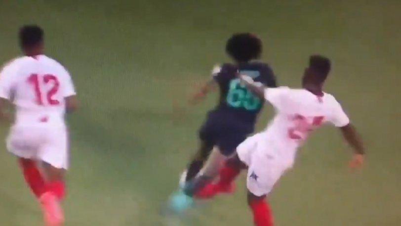 Λίβερπουλ – Σεβίλλη 1-2: Το εν ψυχρώ χτύπημα στον νεαρό παίκτη των «κόκκινων» (vid)