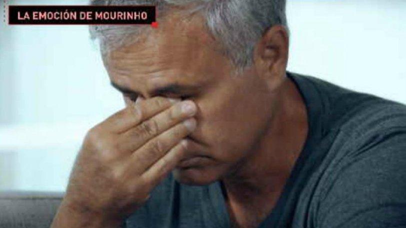 Ο Μουρίνιο δακρύζει για τον πατέρα του (vid)