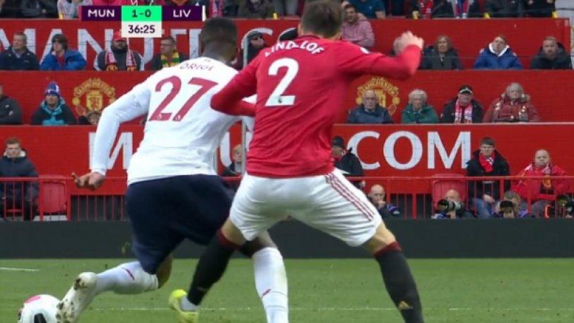 Λίβερπουλ: Ο Οριγκί στο φάουλ έπεσε και έπιανε... το άλλο πόδι! (pic)